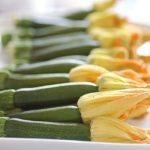 Zucchine con fiore al tegame